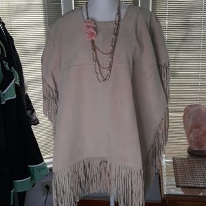 🆕️ NWT Pamela McCoy tan leather poncho w fringe
